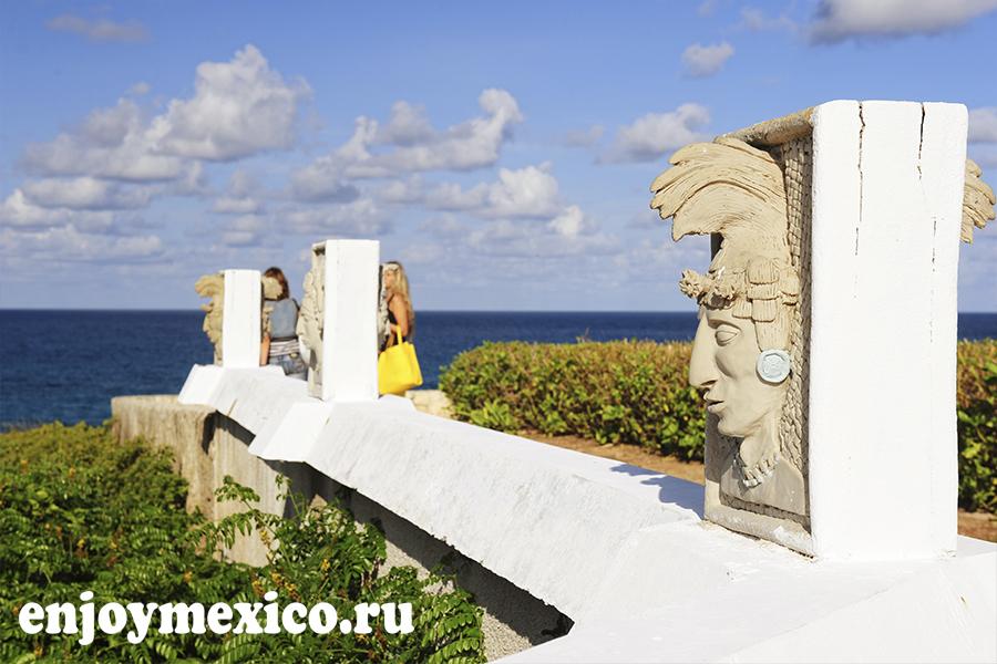 памятник на острове женщин