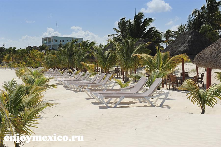 пляж марома лежаки на фото