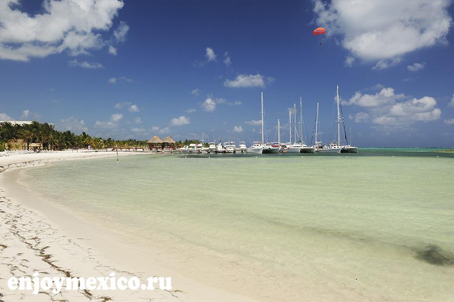 пляж марома лодки в далеке