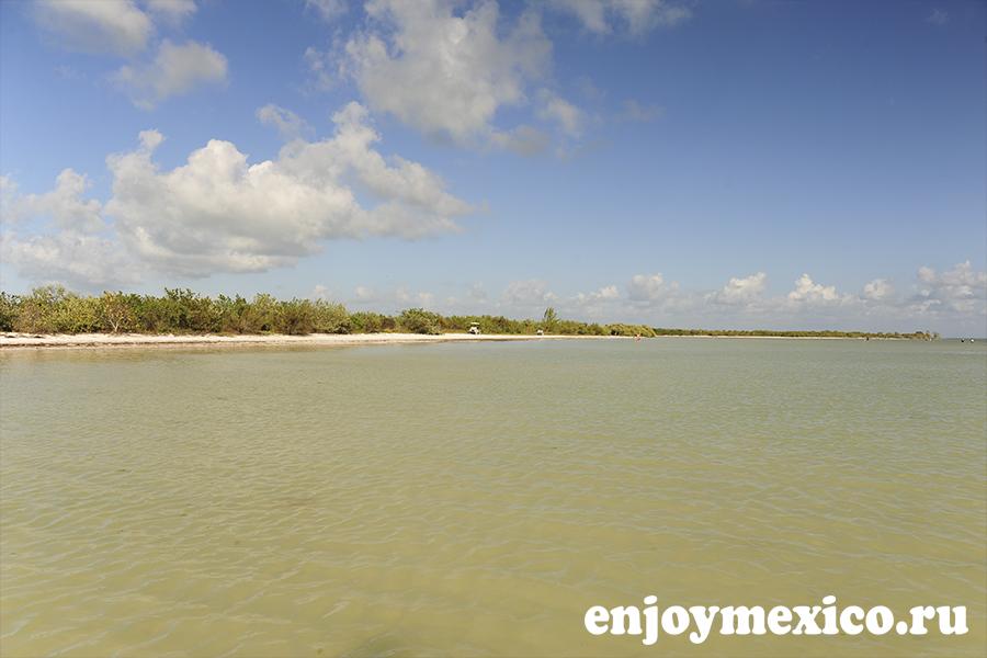 лагуна на острове холбокс