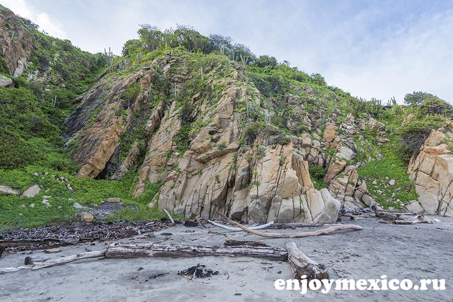 горы на пляже бокана уатулько мексика