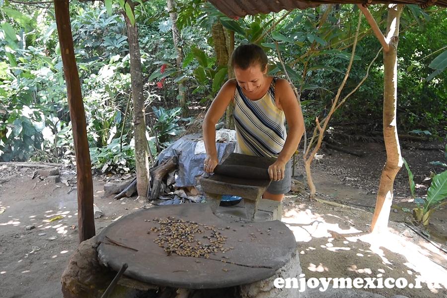 молоть вручную кофе в мексике