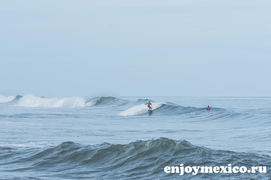 пляж ла бокана уатулько мексика серфер