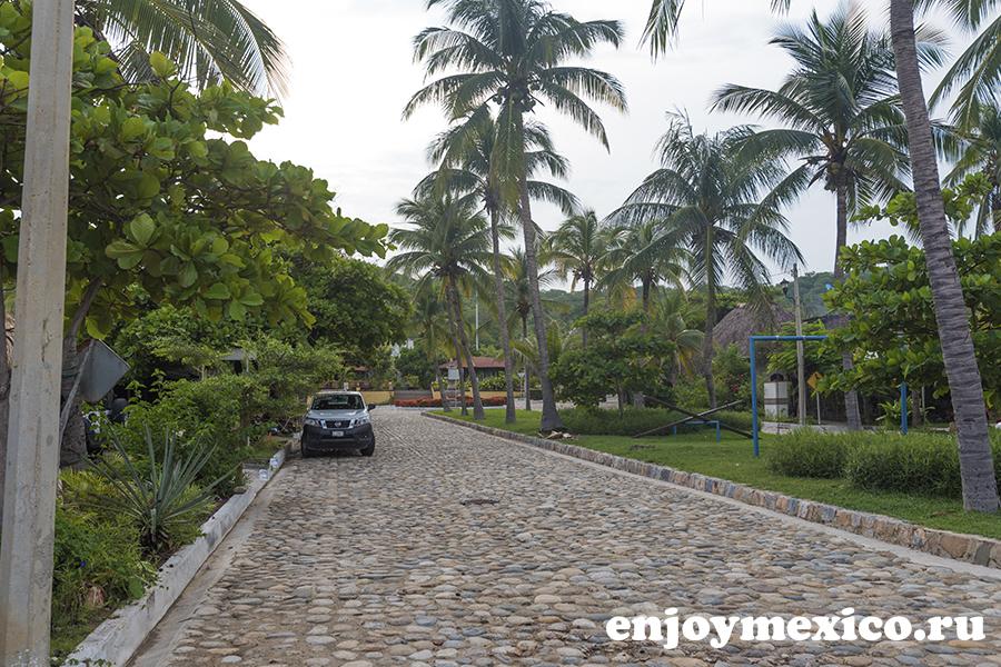 вход на пляж ла бокана уатулько мексика