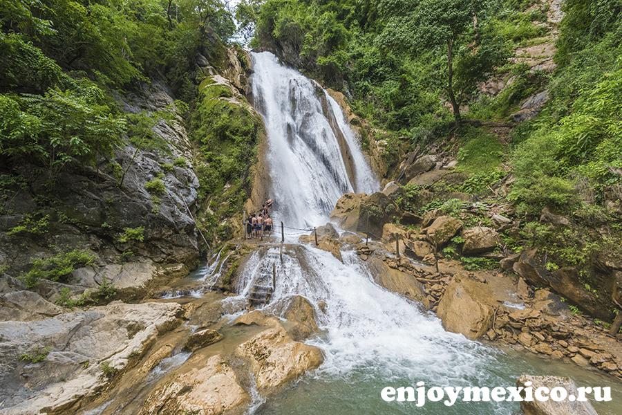 водопад лас брисас уатулько мексика