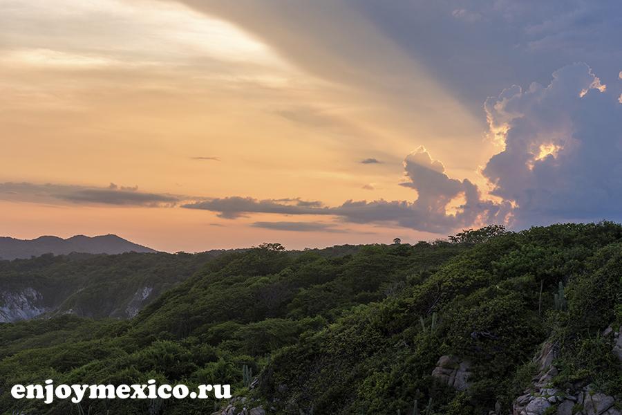 закат в уатулько мексика