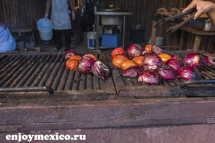 красный лук в мексике