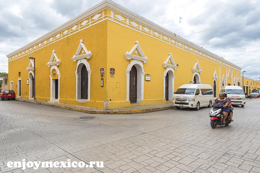 мопеды на улице в мексике