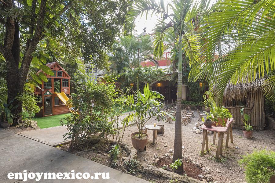 зеленая терасса ресторан в мексике